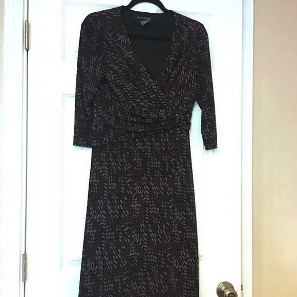 Anne Klein Dresses & Skirts - Anne Klein under the Knee Length Dress size 12
